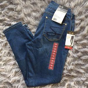 NWT Seven7 Skinny Jeans Sz 14